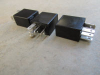 35 amp / 25 amp, 5 pin micro relay without mounting bracket.
