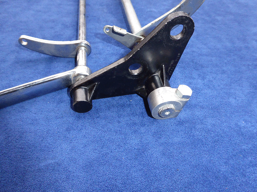 Moto Guzzi 850 T shift and brake linkage.