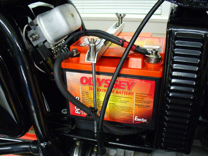 George Dockray's installation of an Odyssey PC925 battery. Applicable to Moto Guzzi V700, V7 Special, Ambassador, 850 GT, 850 GT California, Eldorado, and 850 California Police motorcycles.