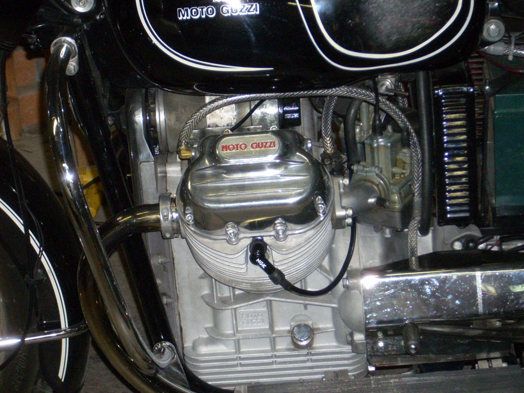 Bunn Breather installed on a Moto Guzzi Eldorado.