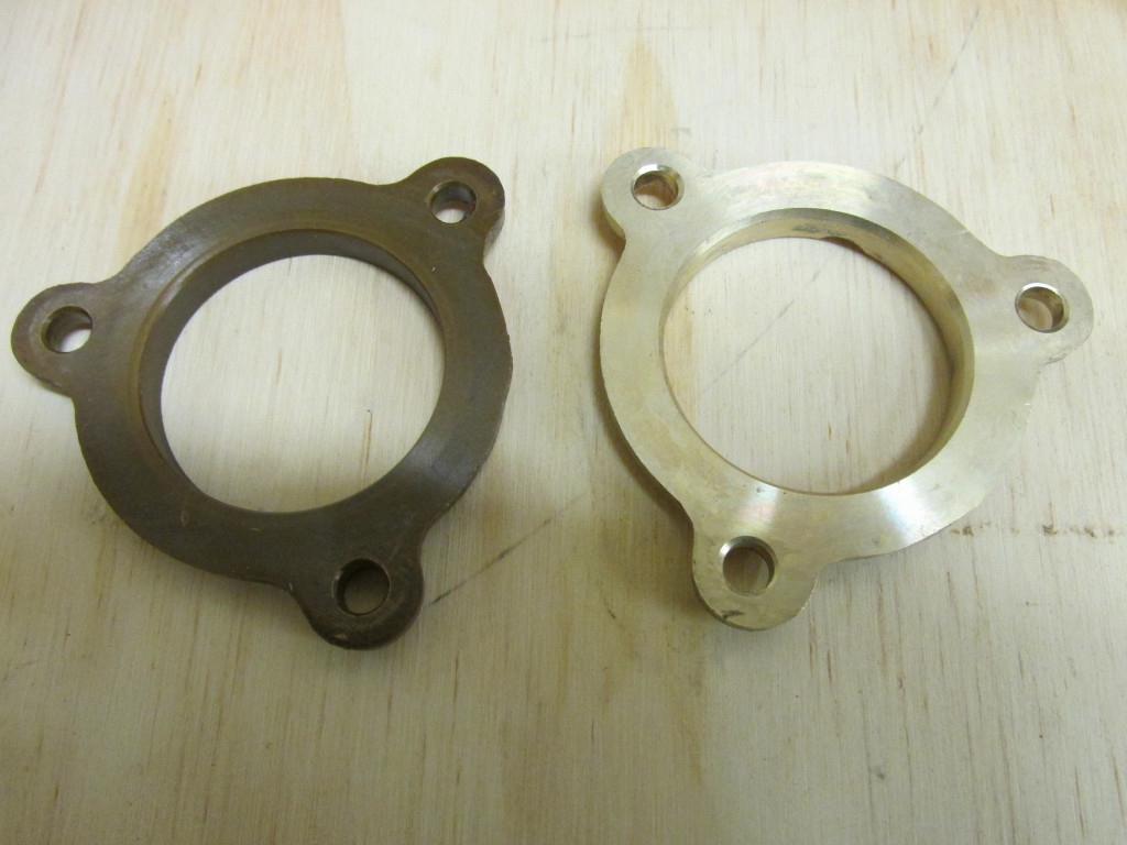 Cam thrust plate. Original on left, new on the right. The original does not show much wear at all on the back side.