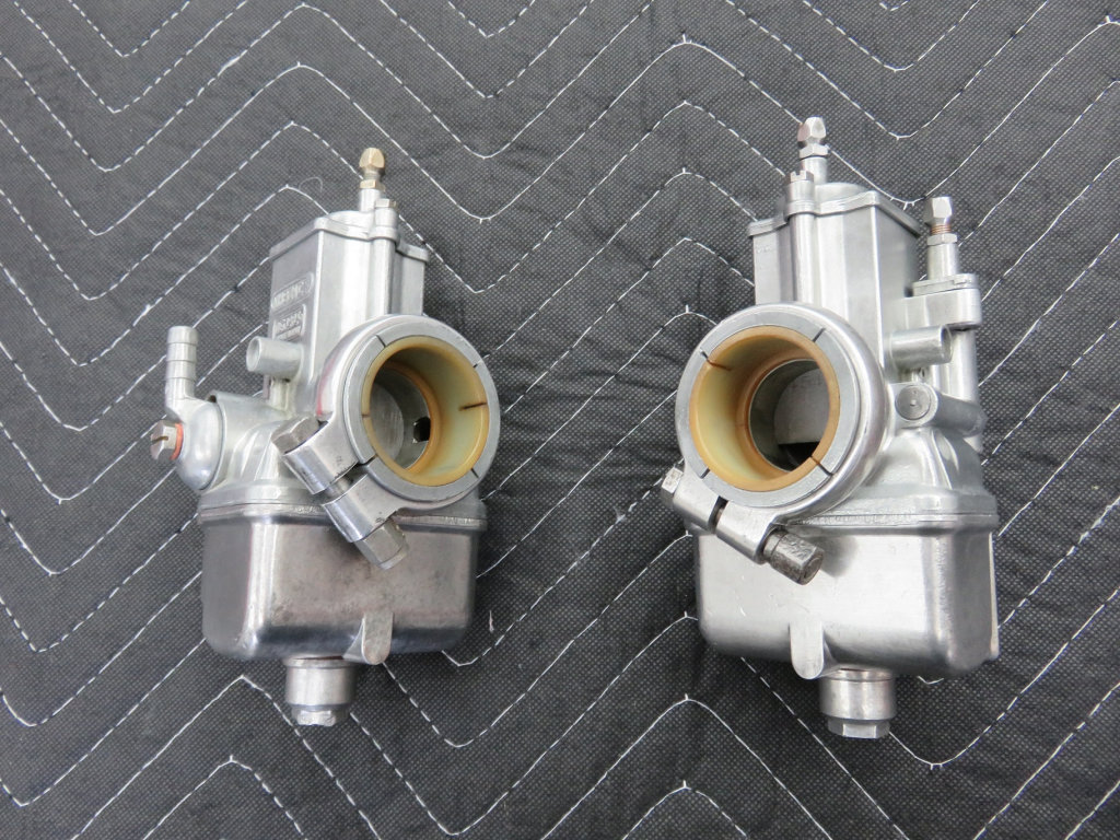 Carburetor cleaning with Pine-Sol and buffing - Loop frames - Moto