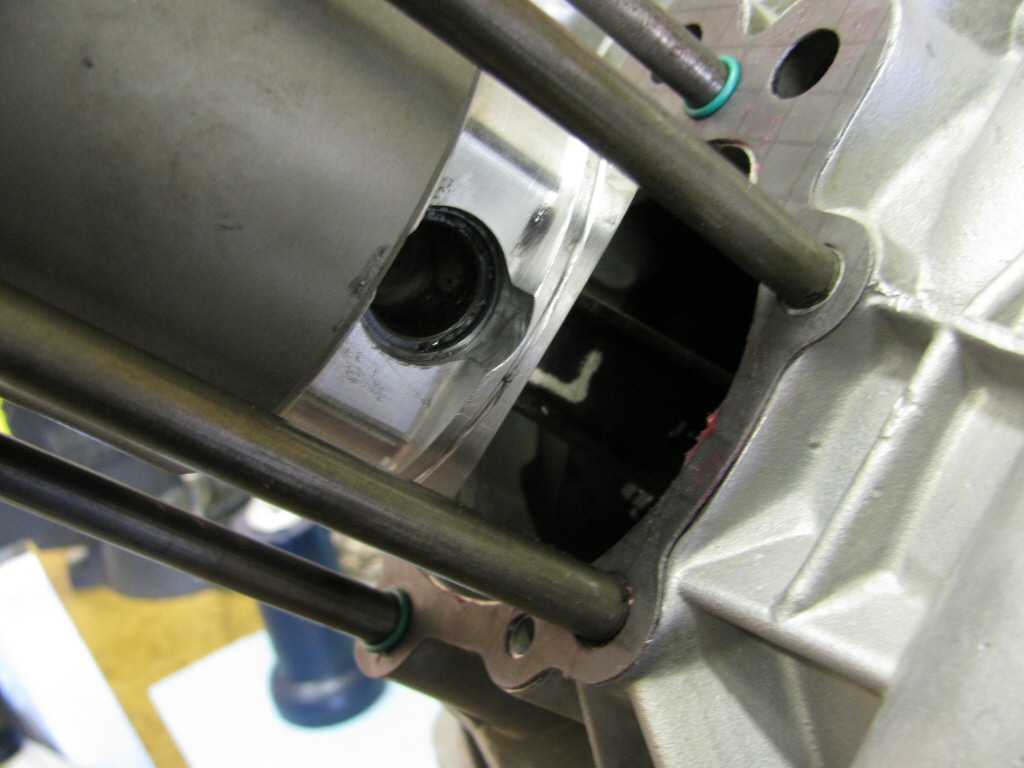 Circlip in place on the rear side of the piston.