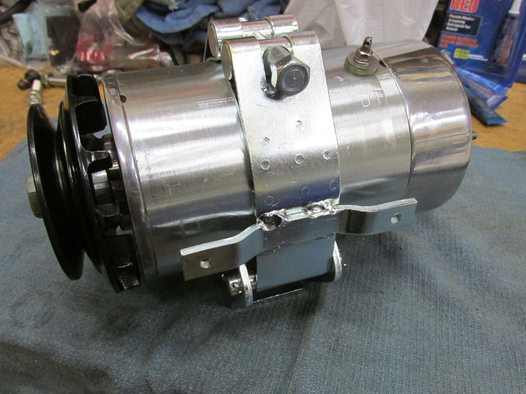 Rebuilding a Magneti Marelli generator as used on Moto Guzzi V700, V7 Special, Ambassador, 850 GT, 850 GT California, Eldorado, and 850 California Police models.