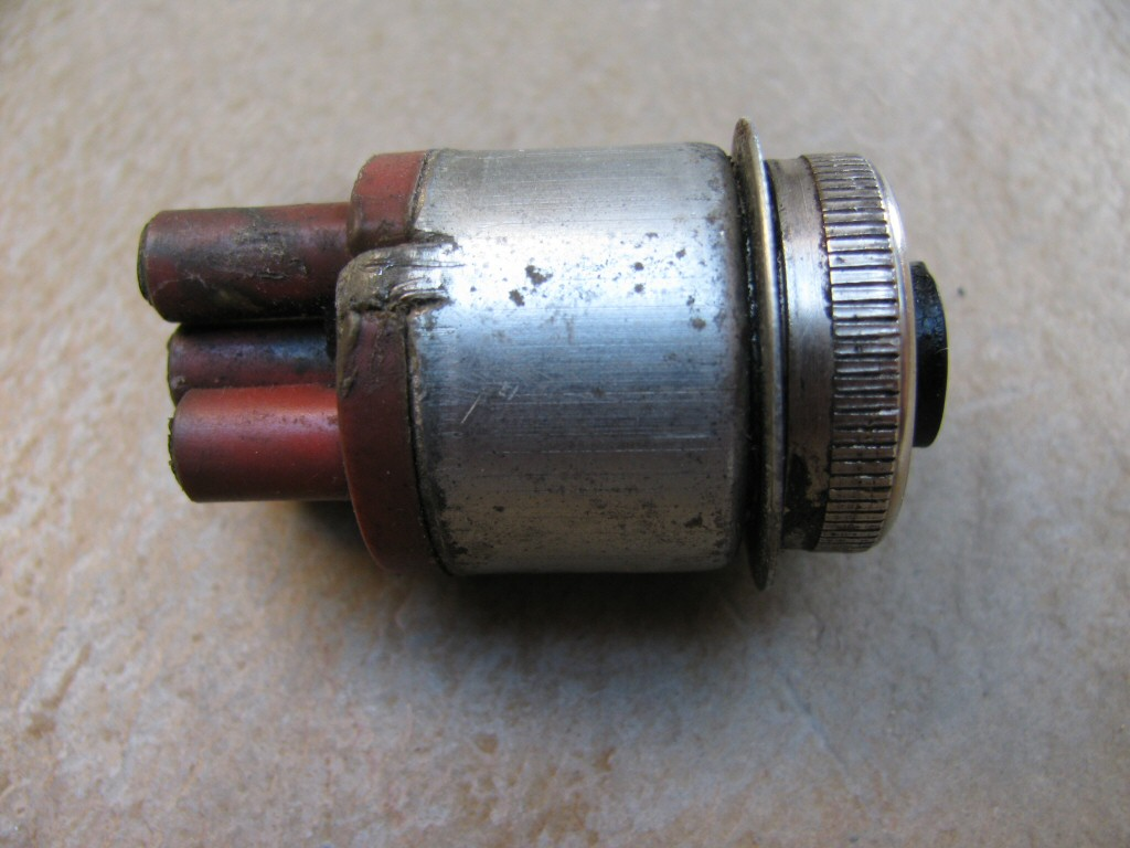 Ignition switch used on the Moto Guzzi Le Mans (MG# 17735350).