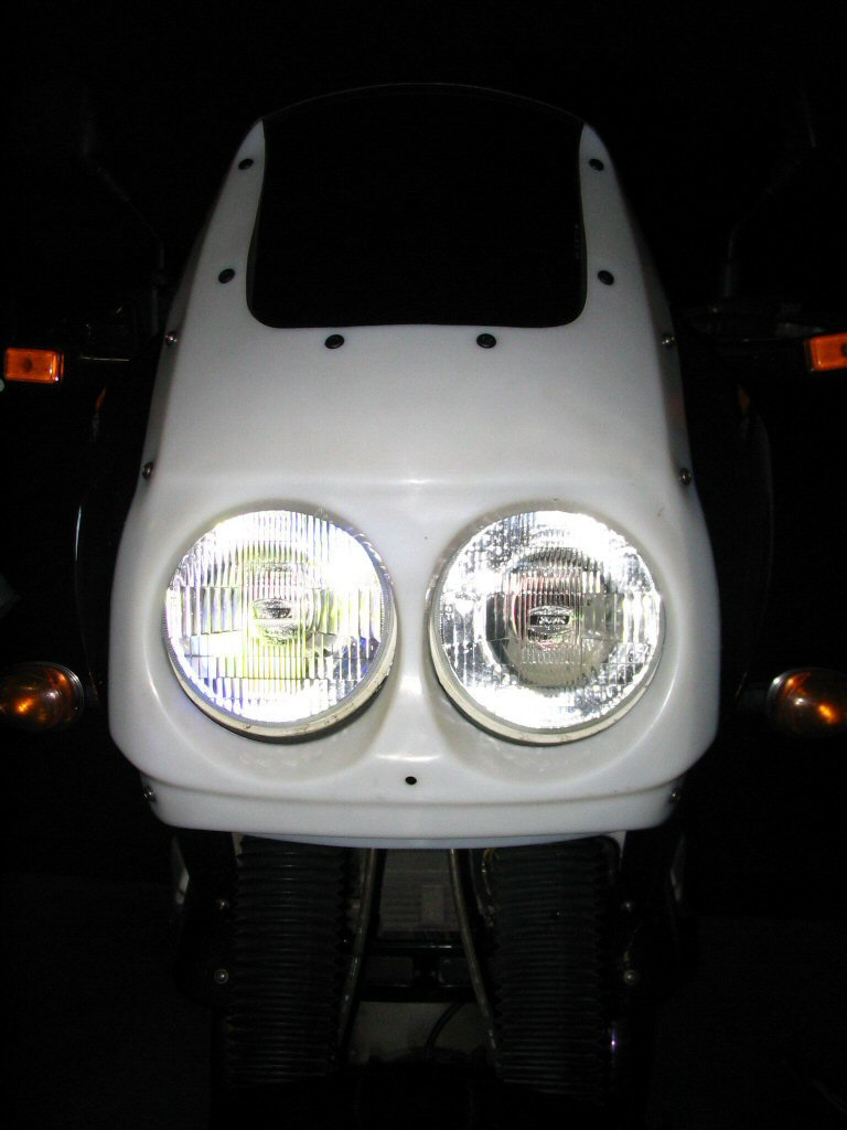 Front view of fairing and headlight. Mounting a Yamaha FZR headlight to a Moto Guzzi Quota 1100 ES.