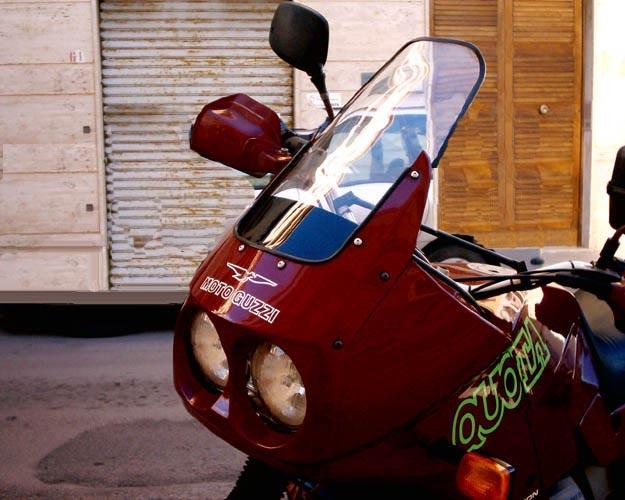 Homemade windshield fitted to a Moto Guzzi Quota 1000. Windshield made by Riccardo Rompani.