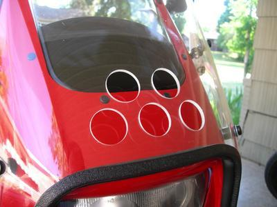 Parabellum windshield fitted to a Moto Guzzi Quota 1100 ES.