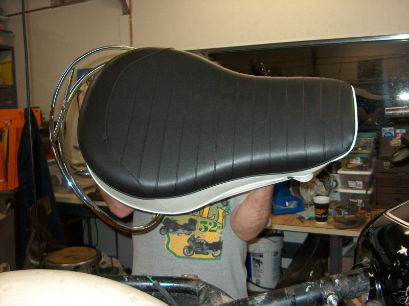 Moto Guzzi buddy seat as fit to the 850 GT California model. May also be fit to the V700, V7 Special, Ambassador, 850 GT, Eldorado, 850 California Police models.
