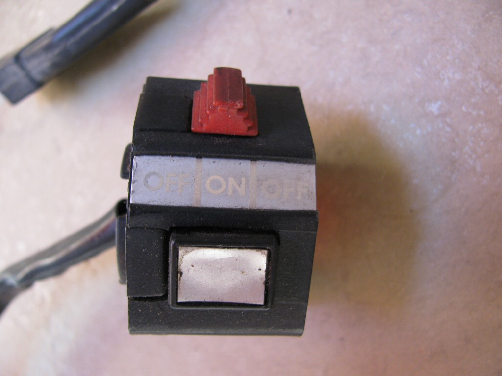 Left handlebar switch used on the Moto Guzzi 850 T3 California LAPD and similar models (MG# 17635000 or MG# 18735040).