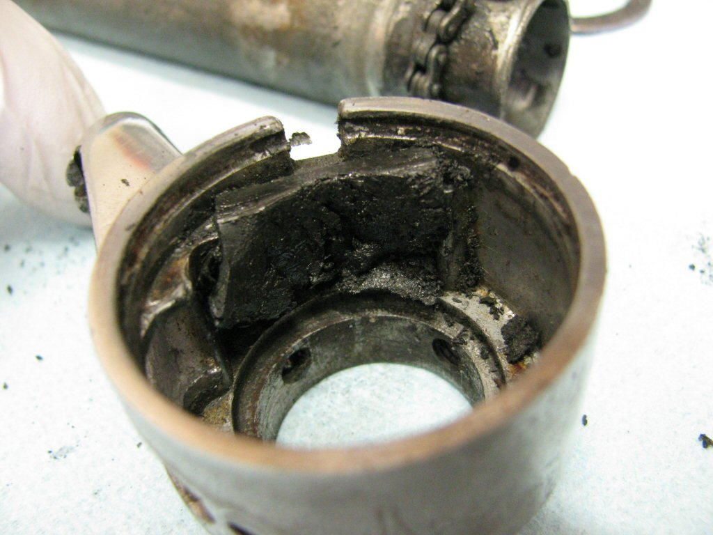 Rubber friction material fit to the throttle body.