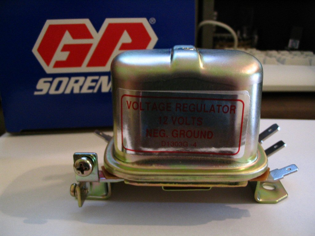 Aftermarket voltage regulator to fit Moto Guzzi V700, V7 Special, Ambassador, 850 GT, 850 GT California, Eldorado, 850 California Police models; part number 265002.