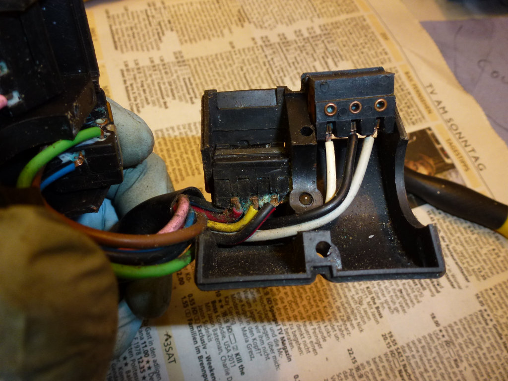 Left handlebar switch wiring for a Moto Guzzi Le Mans II with the printed circuit instrument panel (MG# 14738055).