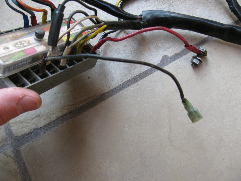 wiring sub harness v7 sport power to flasher mg. Black Bedroom Furniture Sets. Home Design Ideas